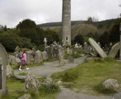 Glendalough14_.jpg